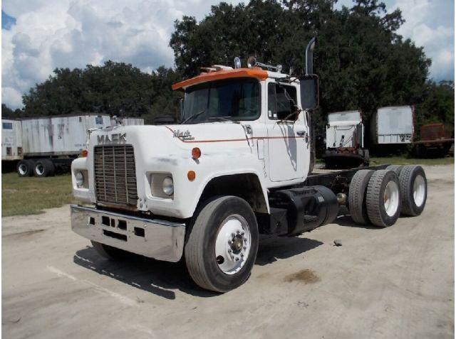 Buy 1987 R model mack truck