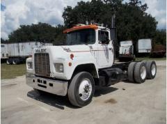 1987 R model mack truck